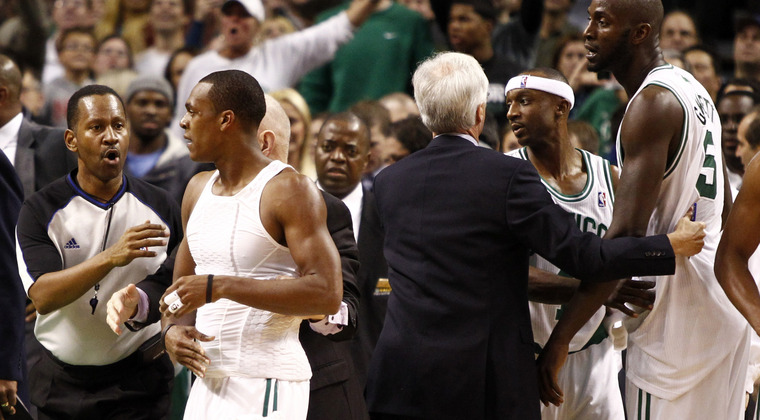 Rajonrondo_celtics_fight_marklbaeruspw_6797660