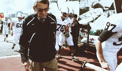Joepa_head_down