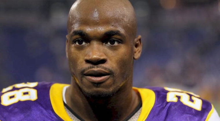 Adrian-peterson-charges-dropped