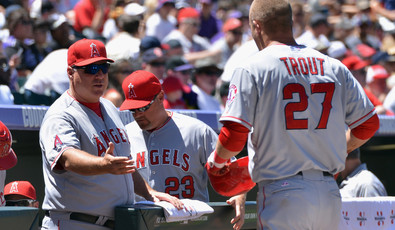 Mike_scioscia_mike_trout_los_angeles_angels_f1rac4qgljex