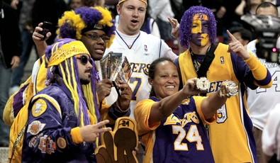 Lakers_fans